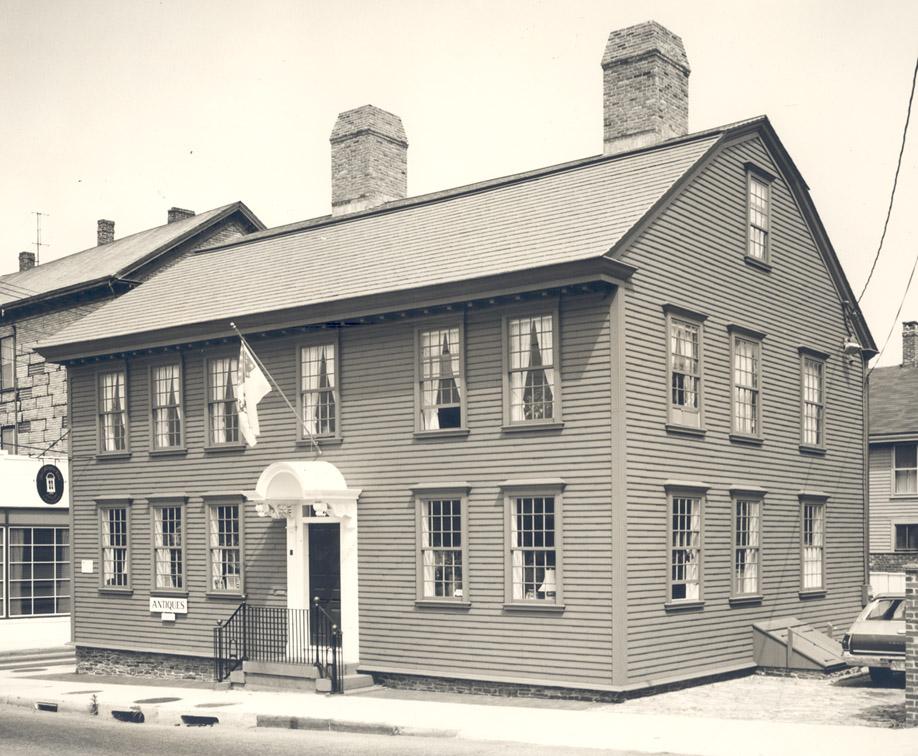 oldest buildings in newport ri