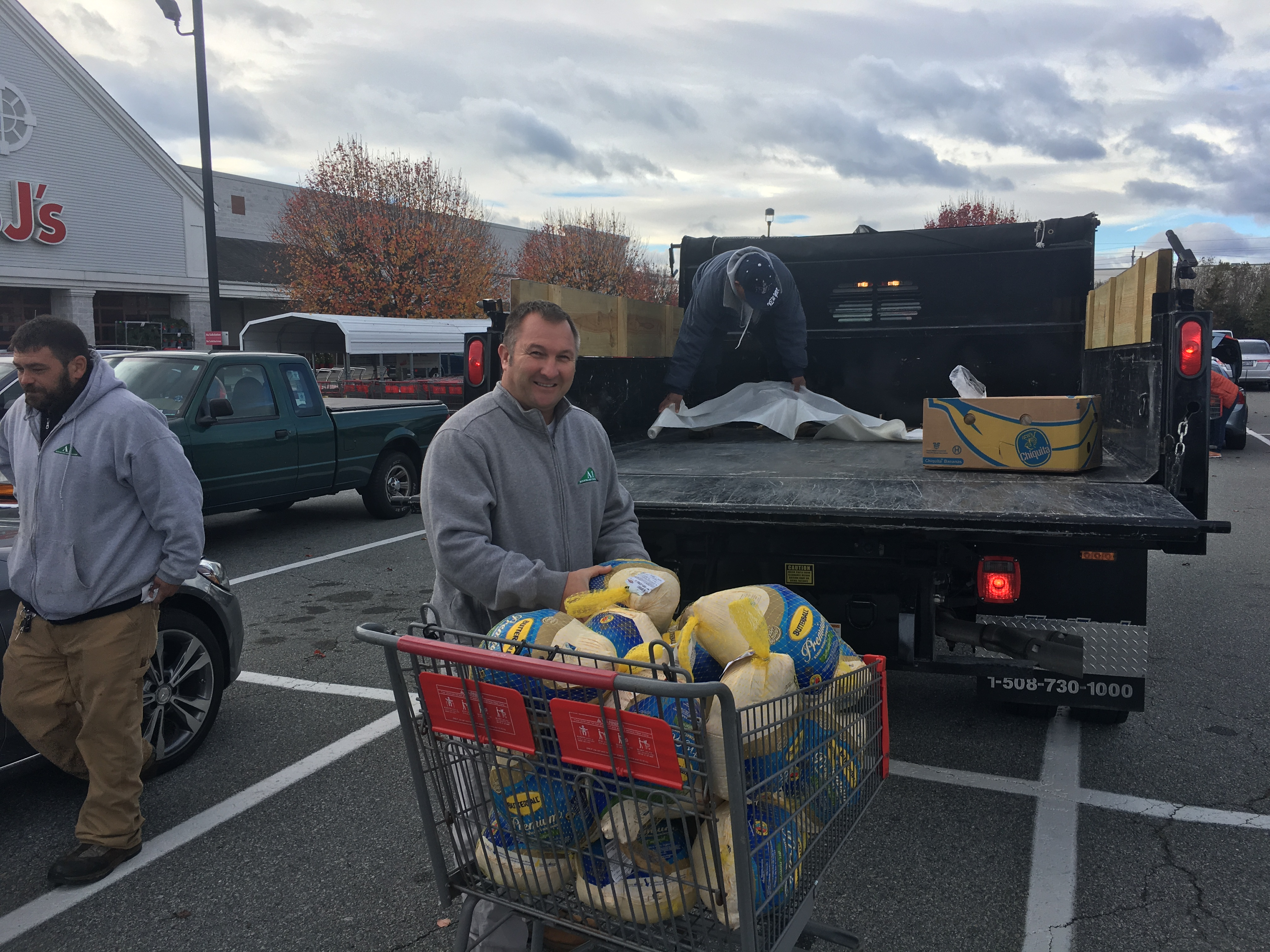 Wonderful Sean Napolitano (center) Owner Of A1 Roofing Loads Turkeys To Be Donated To  The Martin Luther King Jr. Community Center.