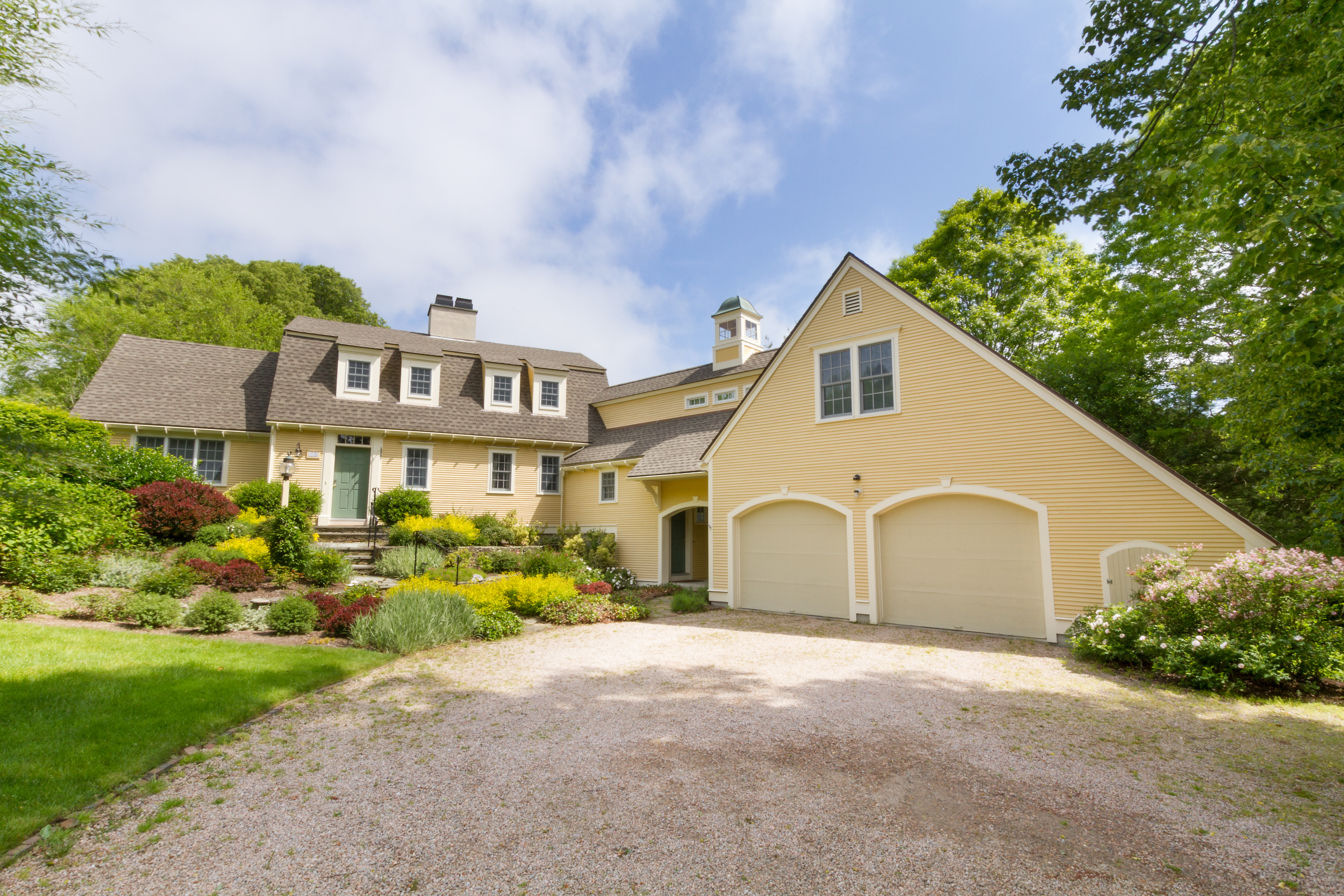 Million Dollar Listing Home On Old Beach Road In Newport S