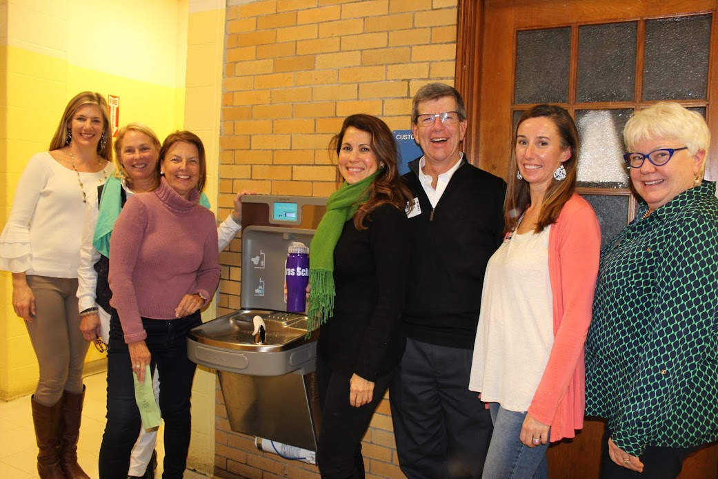 Greenlove Foundation donates water bottle filling station to